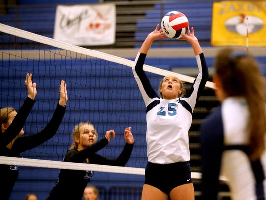 636384347870573865-6-Siegel-vs-Brentwood-volleyball.JPG