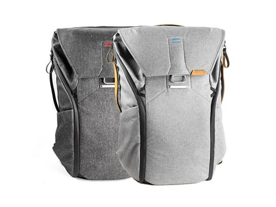Peak Design Everyday Backpack features a DSLR-friendly