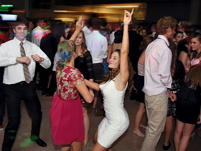 Students attend Homecoming at Gettysburg Area High