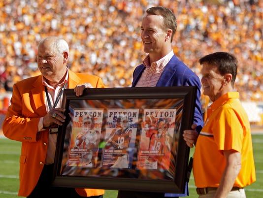 Peyton Manning, Phillip Fulmer, Dave Hart