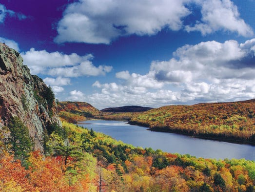 The 10 Best Fall Hikes In The State Of Michigan In