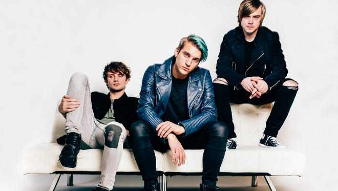 Vinyl Theatre will premiere all nine tracks from its next album Friday at the Rave.