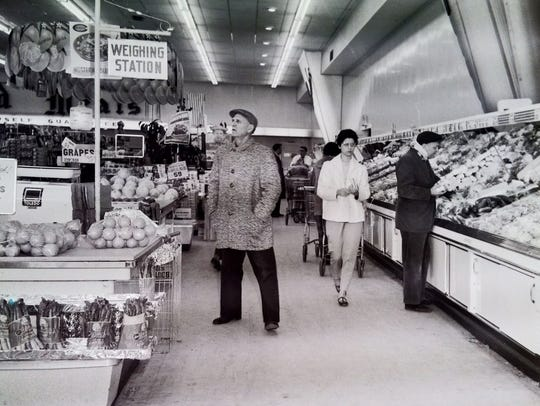 Fruit stand at Acme Market, 4/5/61.