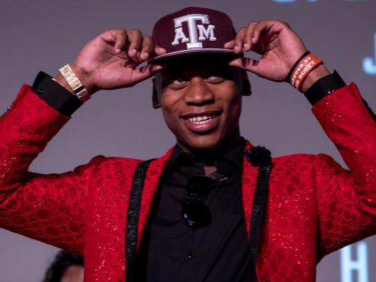 Lanier's James Foster announces that he is attending