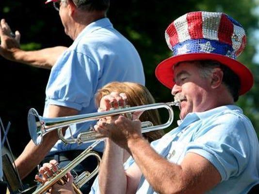 Oshkosh-July-4-parade
