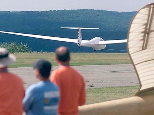 -ELMTab_09-13-2012_Daily_1_O002~~2012~09~12~IMG_-ELM_sailplane4_jhr._1_1_TJ2.jpg