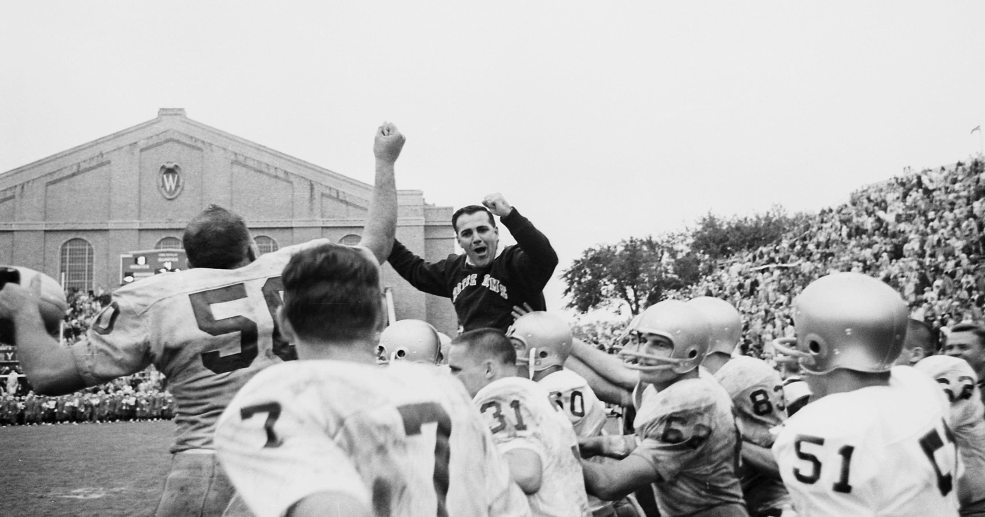 05296ca2b74 Former Notre Dame coach Ara Parseghian dies at 94