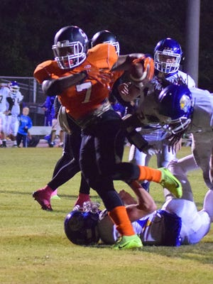 Southside's Jeremiah Ferguson (7) runs for a third-quarter touchdown during the Tigers' 21-14 win over visiting Travelers Rest Friday night.