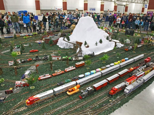 636461013365107106-MJS-trainfest--nws--sears--3.jpg