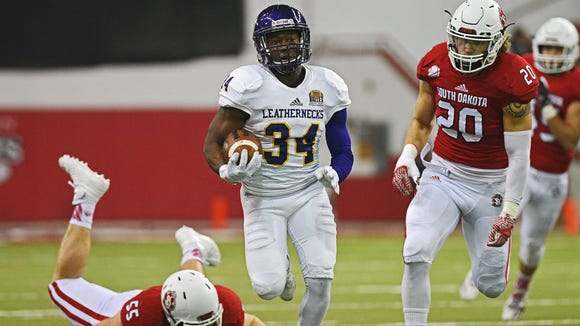 Western Illinois' Steve McShane (34) rushes for a touchdown