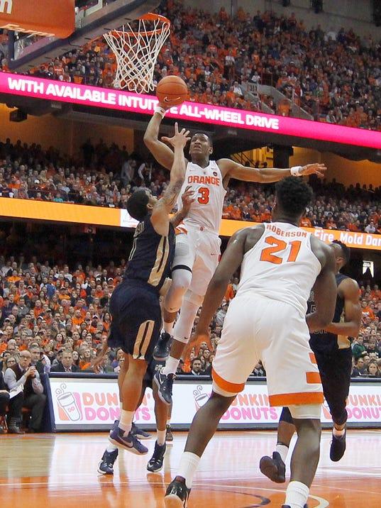 Syracuse's win keeps NCAA hopes alive