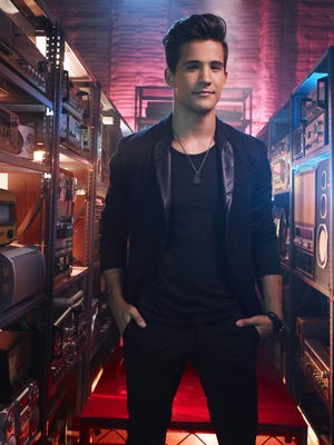 Dez Duron is pictured on season 3 of The Voice.