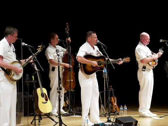 BMN 081717 Navy band