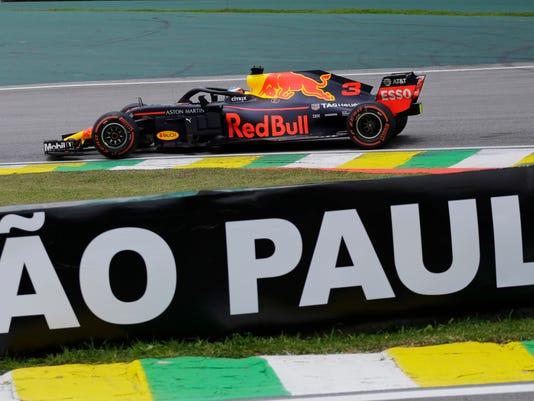 Brazil_F1_GP_Auto_Racing_32770.jpg