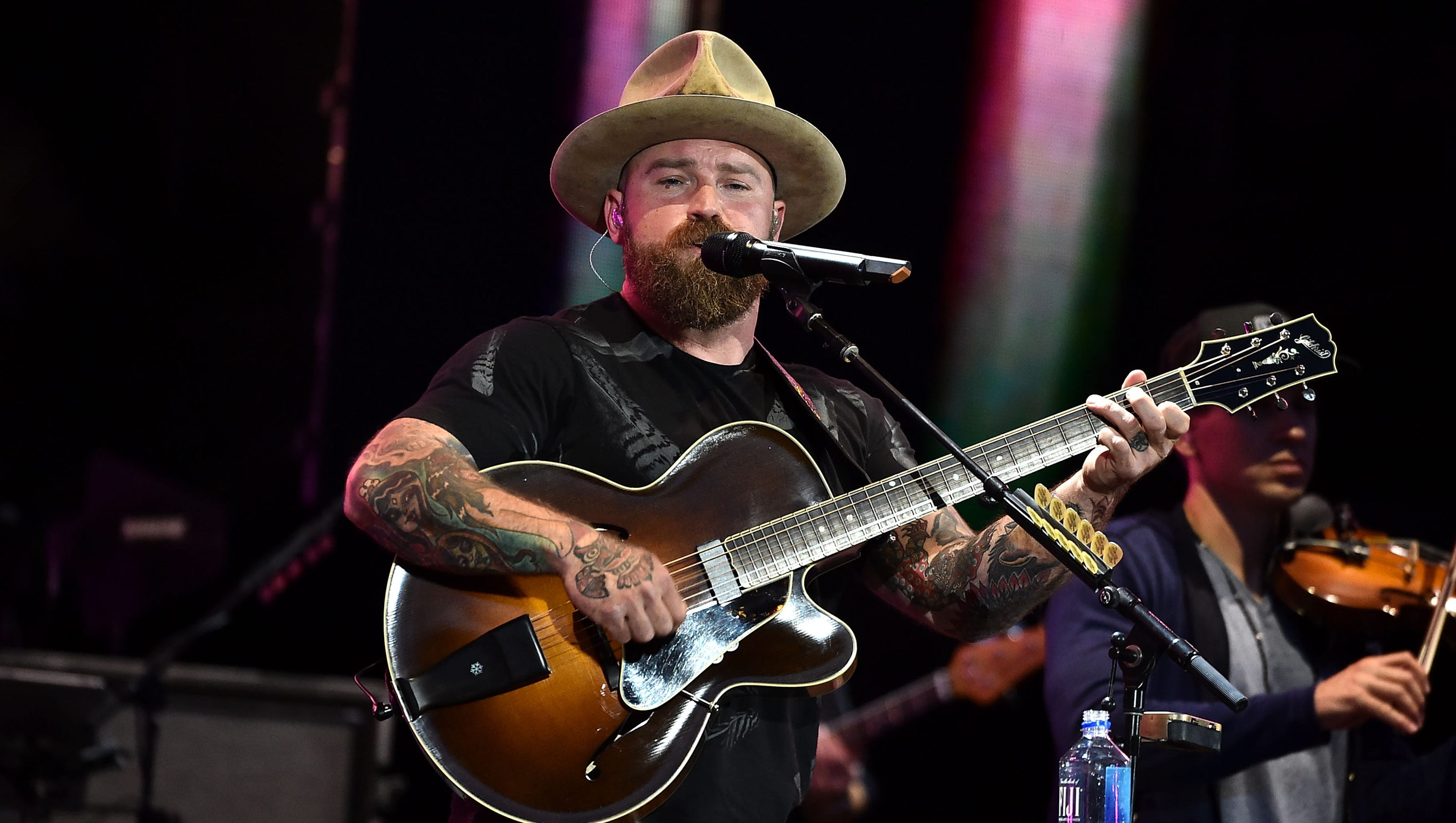 Country Star Zac Brown Wife Shelly Split After 12 Years Of Marriage