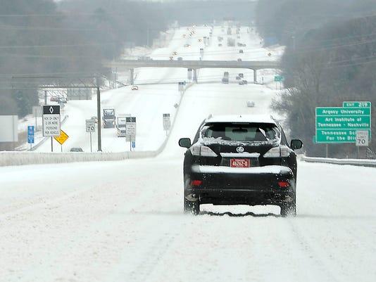 635611649982254517-Nas-Thursday-snow-16