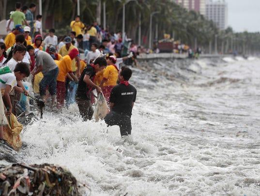 typhoon hits taiwan philippines nears hong kong. Black Bedroom Furniture Sets. Home Design Ideas
