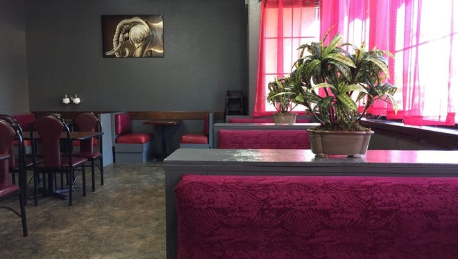 Royal Indian Cuisine's decor mixes modern with traditional.