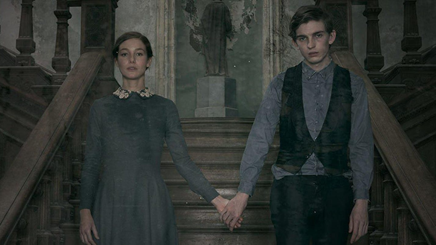 A haunted house rules its inhabitants in 'The Lodgers'