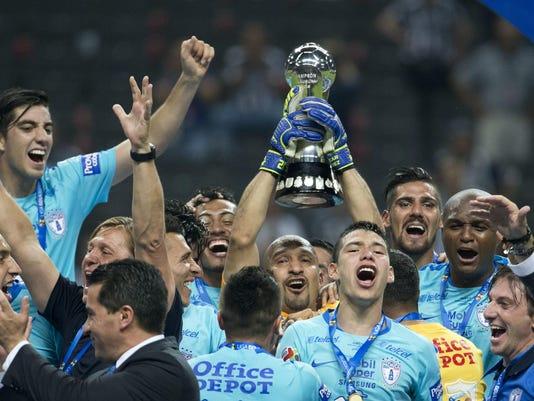 Mexico Soccer_Vazq (16)