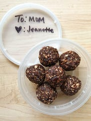 """Make these adorable """"Energy Bites"""" for Mom on her day"""