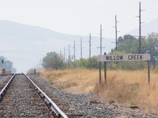 -FALBrd_09-16-2012_Tribune_1_L003~~2012~09~14~IMG_FAL0916_Willow_Creek_1_1_I.jpg