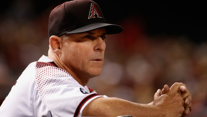 Diamondbacks manager Chip Hale watches the action on Monday night vs. the Cardinals.