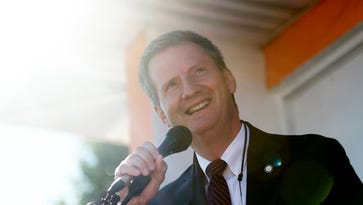Burchett wisely moves to allow citizens to use cellphones to copy records