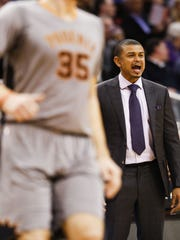 Suns interim head coach Earl Watson.
