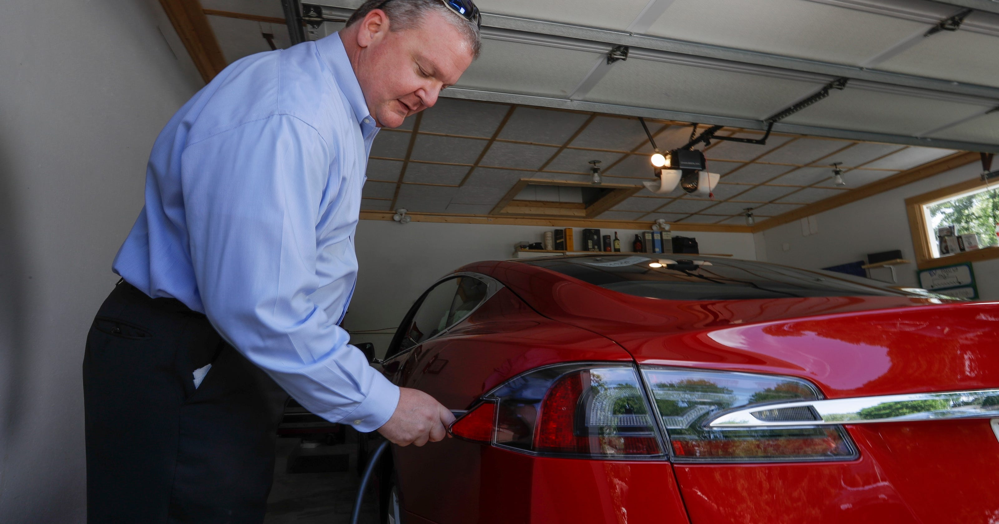 7 500 Electric Car Tax Credit Goes Away Under Gop Plan Not Good For Tesla