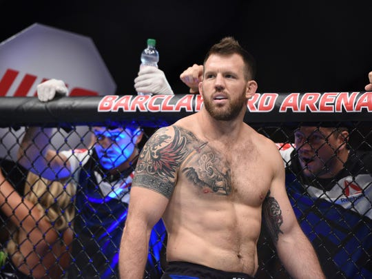 Ryan Bader prepares to fight Ilir Latifi at UFC Fight Night on Sept. 3, 2016, in Hamburg, Germany.