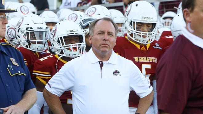 Viator (middle) led ULM to a second 4-8 season in 2017. The Warhawks won four games in the Sun Belt Conference by an average of 9.75 points and lost four games by an average of 10 points.