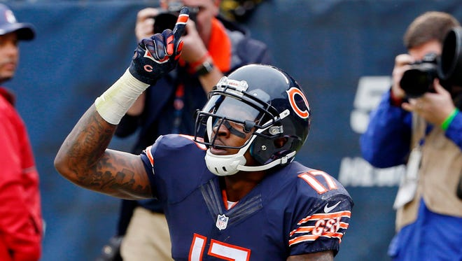Chicago Bears wide receiver Alshon Jeffery (17) reacts after scoring a touchdown against the Washington Redskins during the first half at Soldier Field.