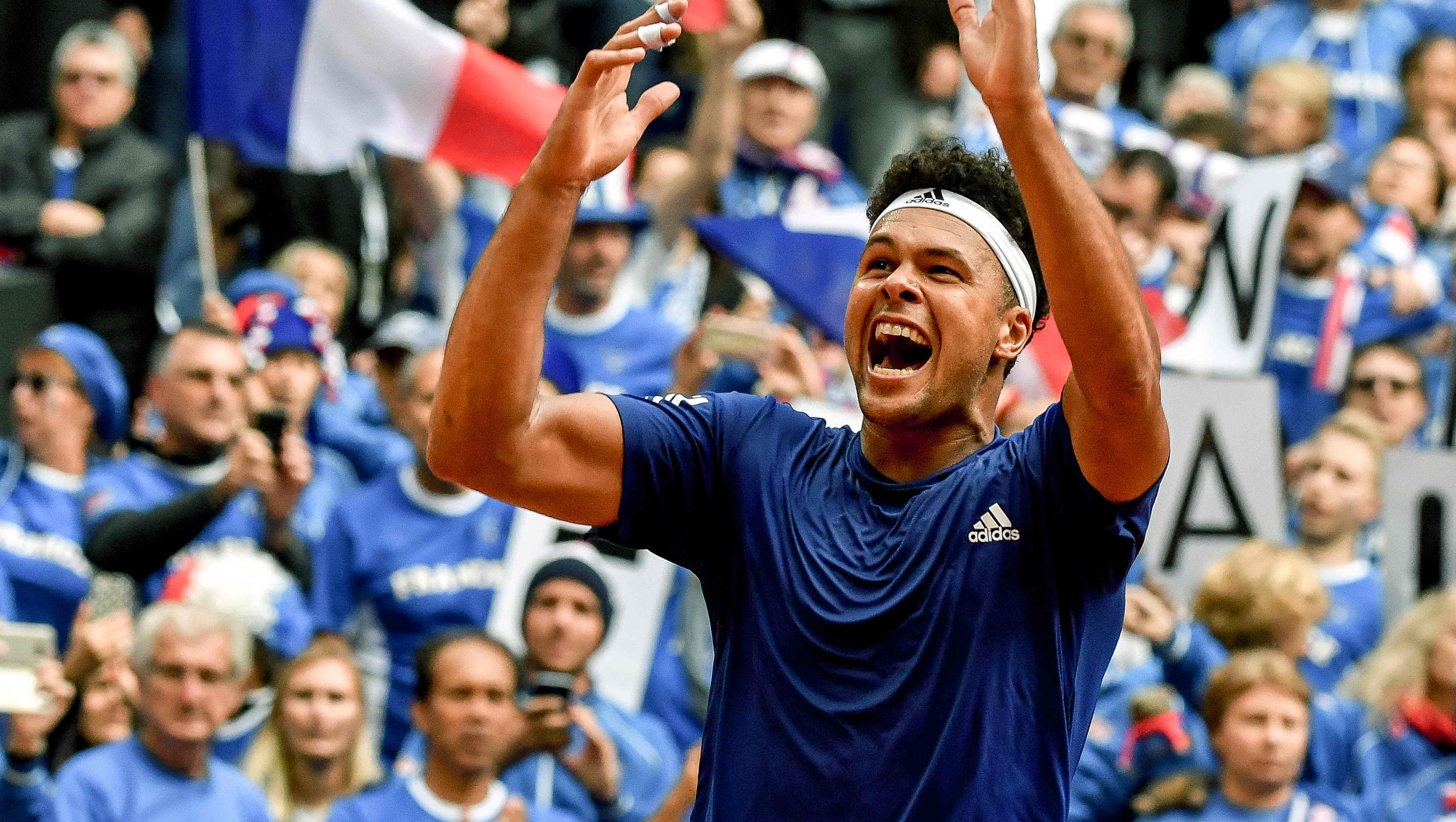 Jo-Wilfried Tsonga sends France into Davis Cup final