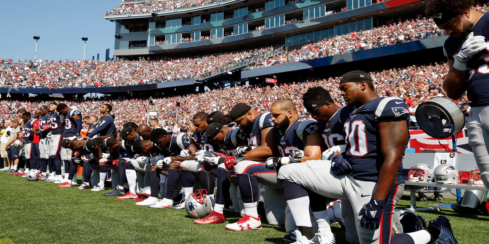 Trump's war with NFL protesters, GOP health bill doomed, Puerto