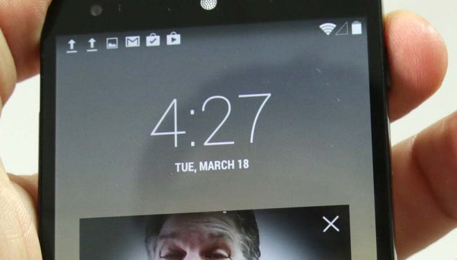 Jefferson Graham displays the Face Unlock feature on Android phones.