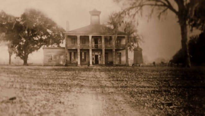 Ile Copal plantation circa 1900. The land for Freetown was part of Governor Alexandre Mouton's plantation, Ile Copal.