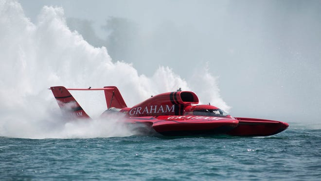 J. Michael Kelly in the U-5 Unlimited boat races around the track in the final H-1 Heat at the 2015 UAW-GM Spirit of Detroit HydroFest on Sunday, Aug. 23, 2015 along the Detroit River in Detroit. Kelly took second place in the final heat. Tim Galloway/Special for DFP