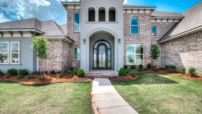 A new build in the highly popular Kingston Plantation neighborhood offers all of the latest and greatest amenities in Benton.