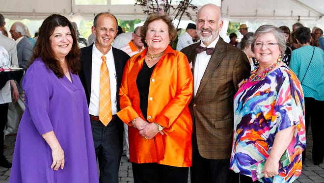 Denise and University of Tennessee Institute of Agriculture Chancellor Tim Cross, Honorary Host Sherri Lee with UT President Joe DiPietro and Deb DiPietro at the UT Gardens Gala.