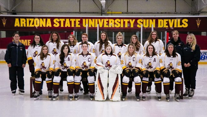 The Arizona State women's hockey team poses for a team picture. Courtesy of ASU women's hockey
