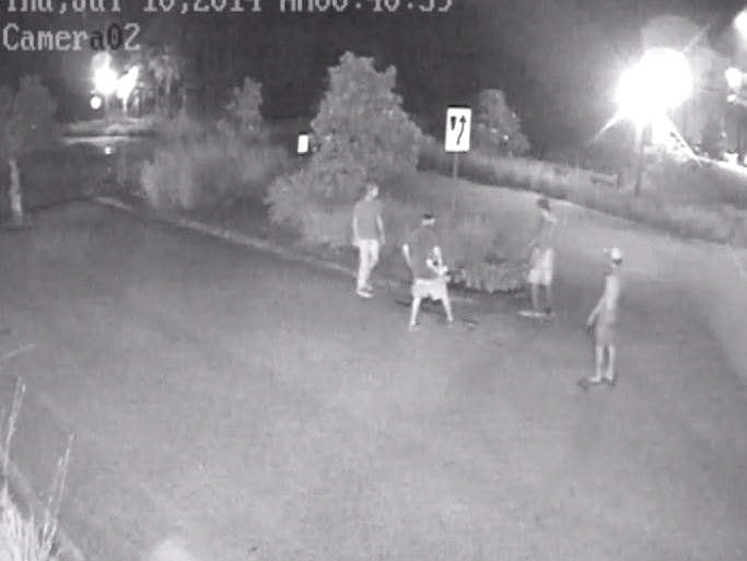 Suspects wanted for criminal mischief for Calle el jardin