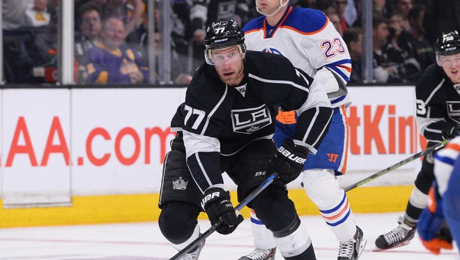 Los Angeles Kings center Jeff Carter (77) skates against the Edmonton Oilers during the second period of the game at Staples Center.