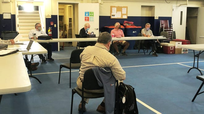 The Carver Marion Wareham Regional Refuse District OK'd Wareham's year-long lease of the Route 28 transfer station, with an option for an additional six months, during a special meeting today, for a nominal $10 per month fee.