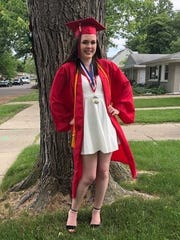 "Cloey Hirst says her mom, who died in 2017, would be proud of ""her baby"" graduating from Livonia Franklin."