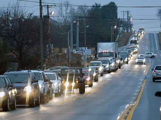 Traffic on Columbia Ave in Spring Hill, Tenn. during