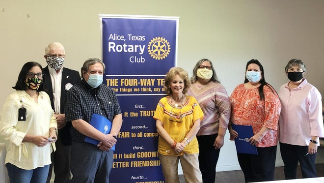 New Rotarians Ron Burke, Dr. Alma Charles and Cynthia Carrasco were pinned by Alice Rotarians at a Wednesday meeting. Pictured are (LtoR) Ofelia Hunter, Alice Rotary President Bruce Hoffman, Ron Burke, Gail Hoffman, Dr. Alma Charles, Cynthia Carrasco and Tessa Carrillo.