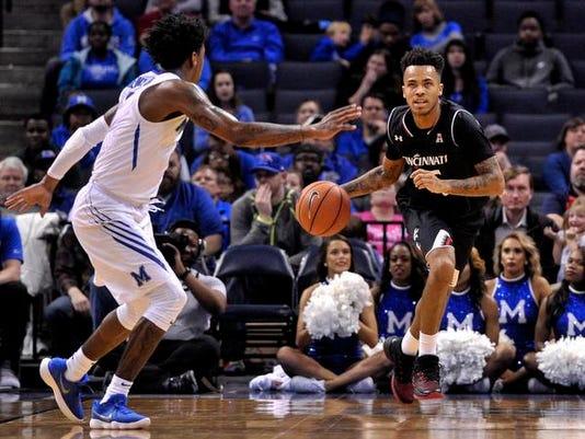 NCAA Basketball: Cincinnati at Memphis