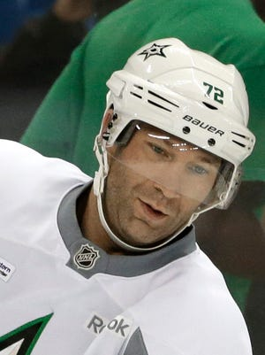 Dallas Stars forward Erik Cole practices Sept. 19, 2014, in Fort Worth, Texas.
