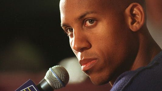 """Former Indiana Pacer Reggie Miller has voiced his opinion of Indiana's """"religious freedom"""" law on social media."""